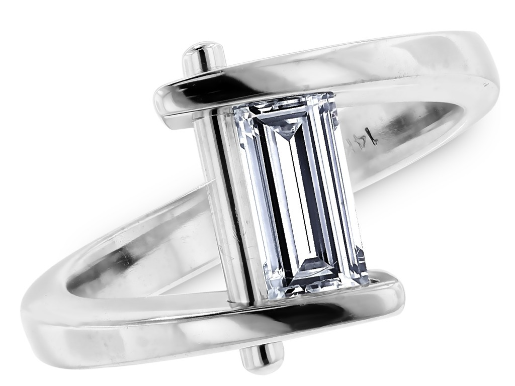 Canadian Baguette diamond ring from cjex.net